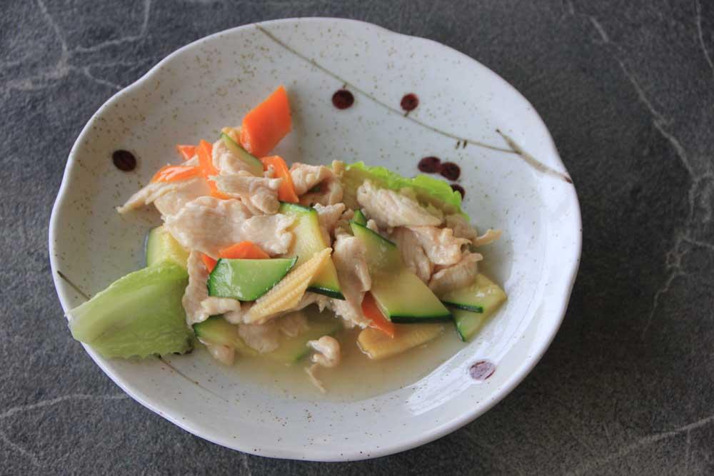 PS6 Pollo con verdure miste*
