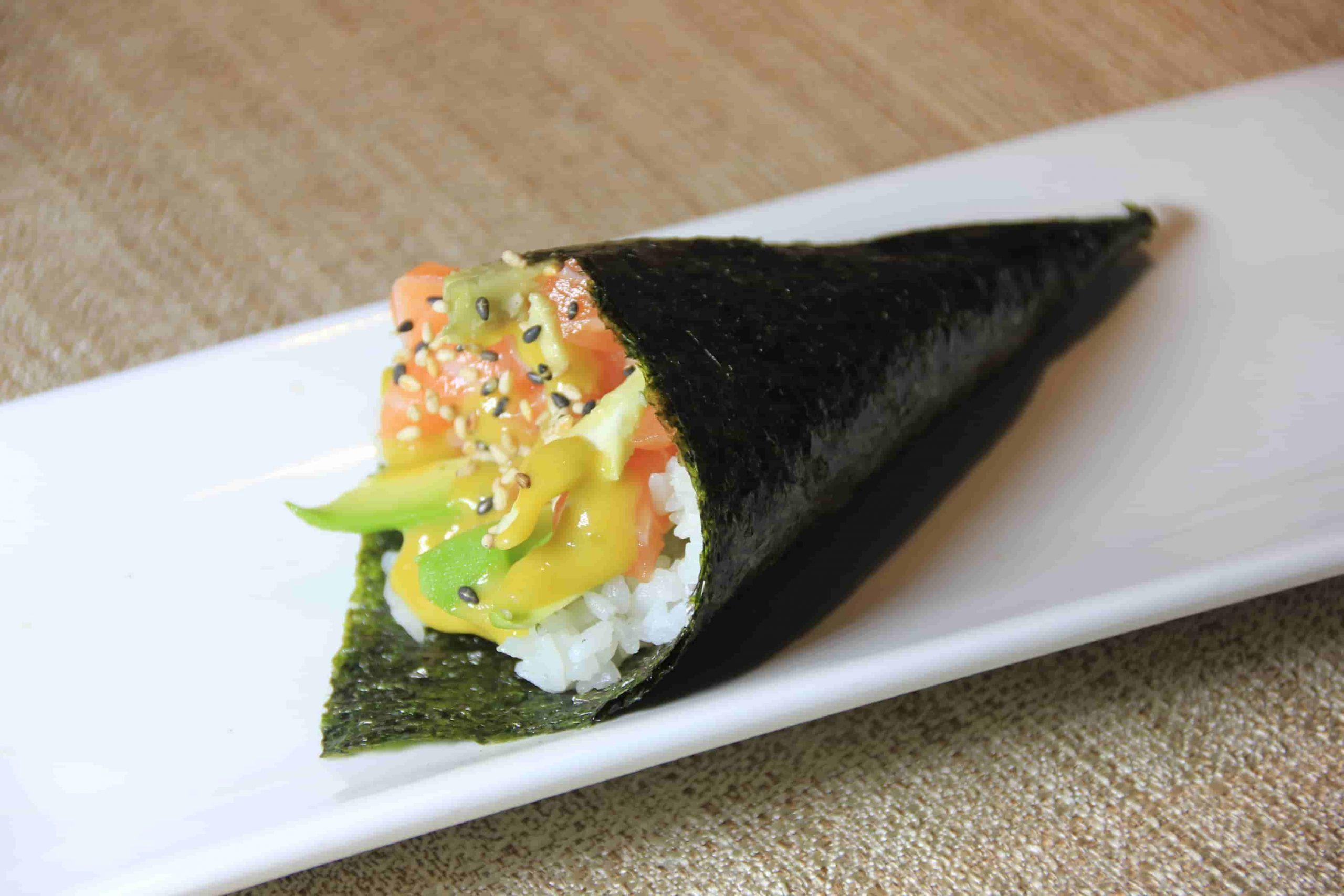 T1 Temaki salmone e avocado