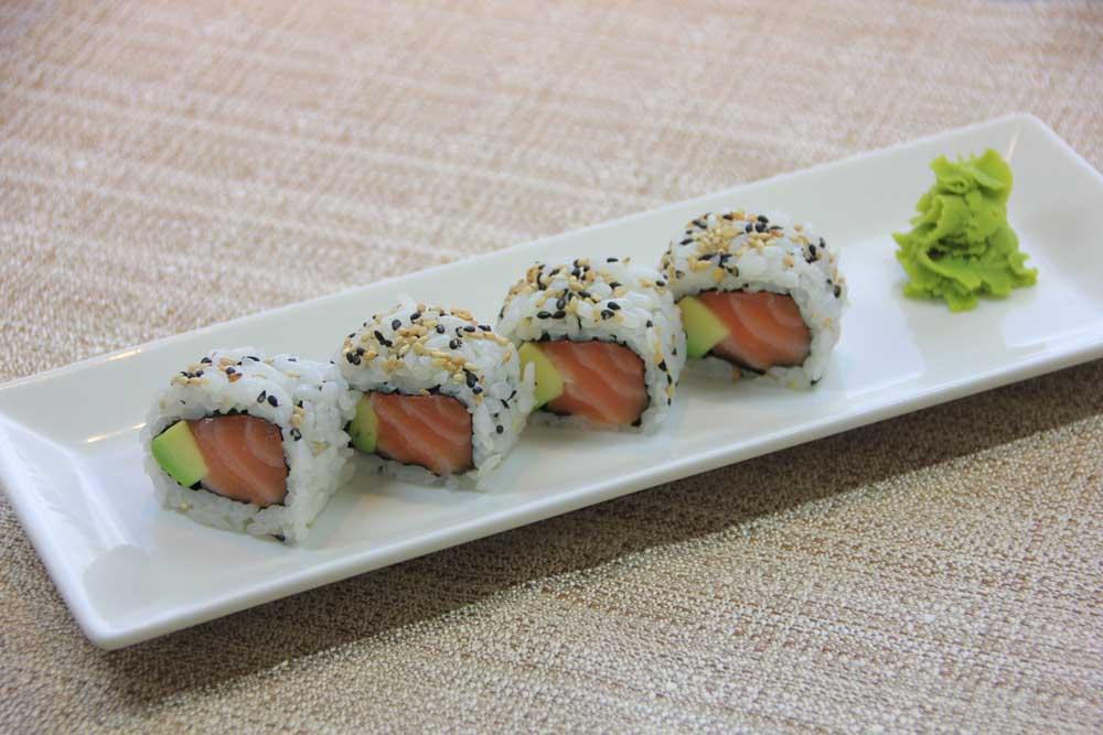 U4 Uramaki salmone e avocado