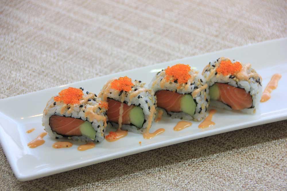 U7 Uramaki spicy salmon