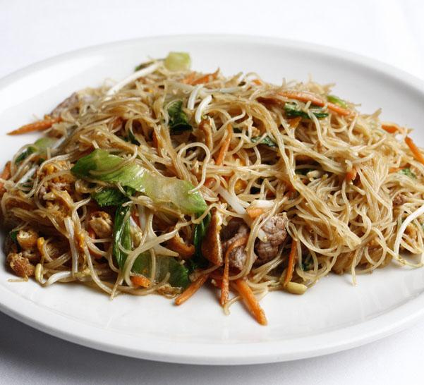 S8 Spaghetti di riso con carne*