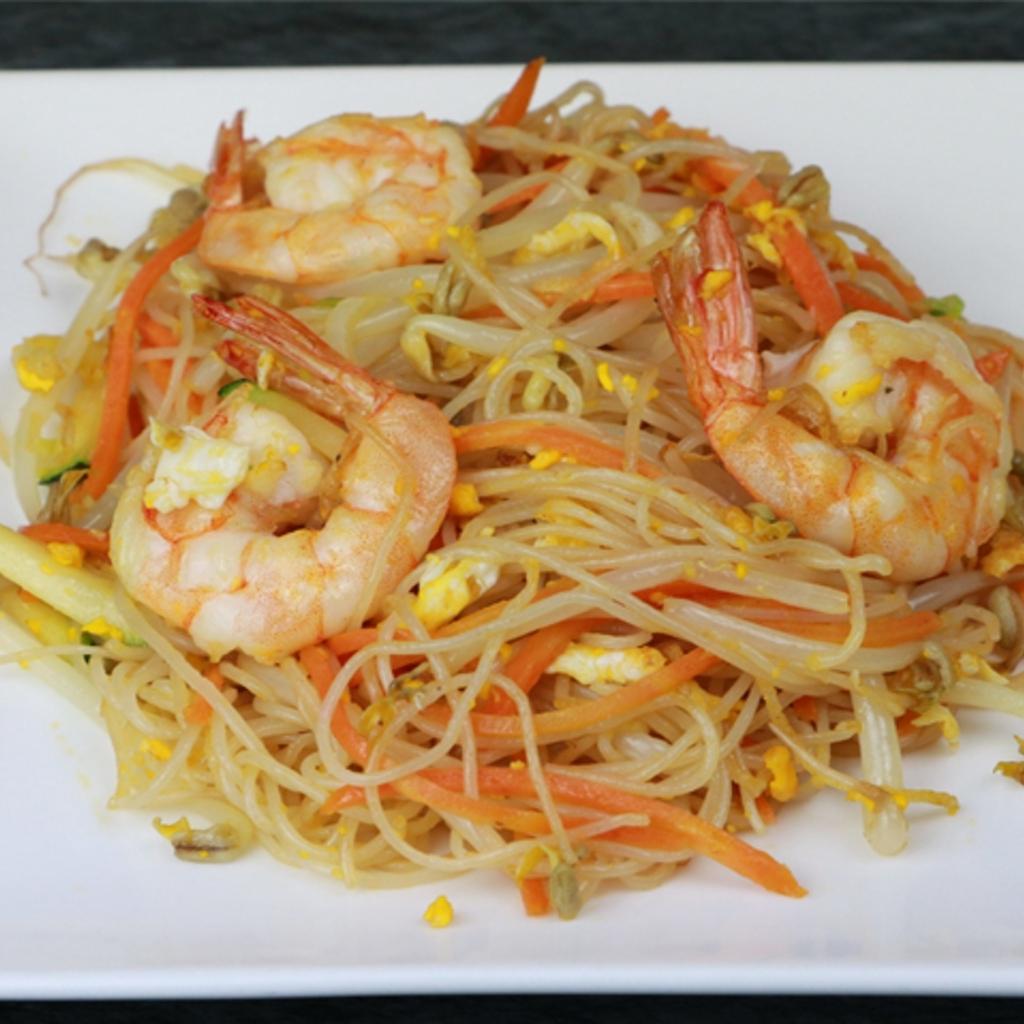 S9 Spaghetti di riso con gamberi*